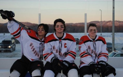 Outdoor hockey fires up players and fans