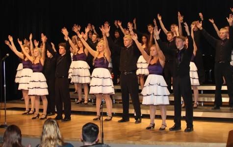 Show Choir  seniors spark special show