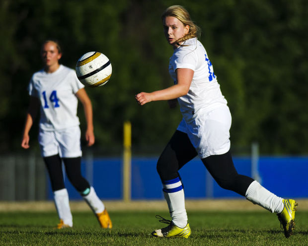 Girls Soccer Shuts out St. Charles Saints