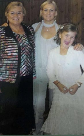Anna, her mother and grandmother in Spain