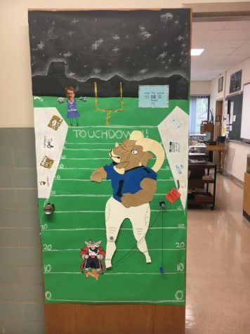 Freshman flex wins door decorating contest