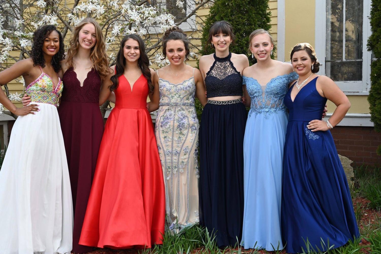 Junior girls before prom