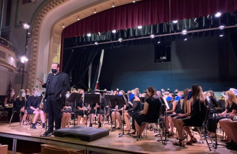 Mr. meurer addresses the audience at the band concert